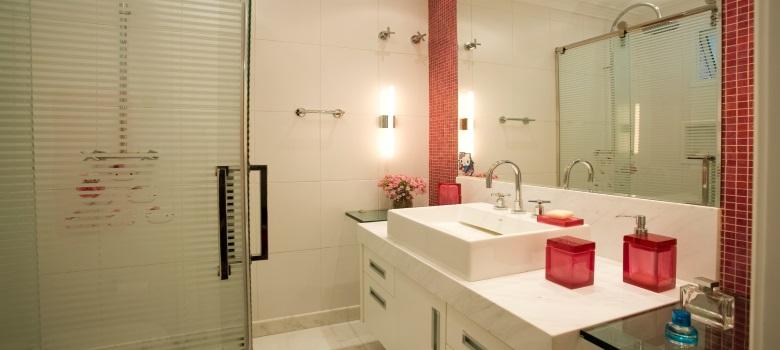 #474212 Decoração de Banheiros Simples e Bonitos 3 Segredos 780x350 px Banheiros Simples Pequenos E Bonitos 3814