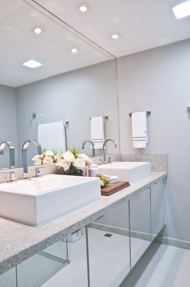 Modelos de armário para banheiro  bonito e funcional -> Armario Para Banheiro Na Dicico