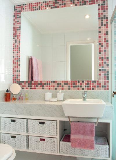 Banheiro Pequeno Decorado  Guia Completo de Decoração -> Banheiro Feminino Simples