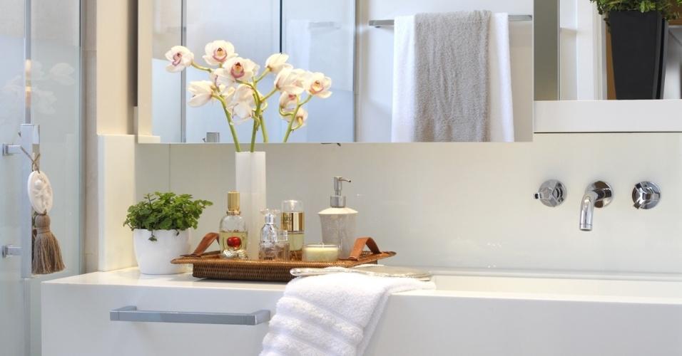 Banheiro Pequeno Decorado  Guia Completo de Decoração -> Banheiro Decorado Flores