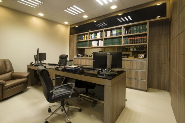 escritorio-de-advocacia-como-decorar-moveis-fotos-objetos-9