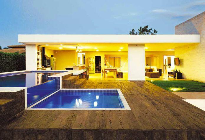 Lindas piscinas de luxo arte personalizada em piscinas for Piscinas modernas casas